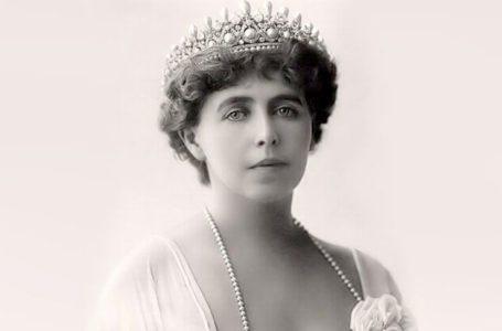 Expoziție dedicată reginei Maria a României, la Muzeul de Artă Piatra-Neamț
