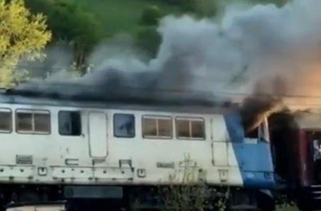Locomotiva trenului Piatra Neamț – Bacău a luat foc la Dumbrava Roșie