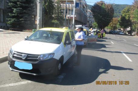 Nereguli în taximetria din Piatra-Neamţ, sancţionate cu 20.000 lei de poliţiştii locali