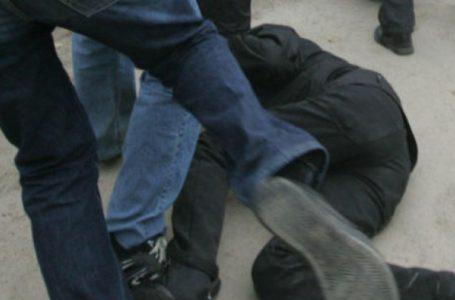 Două fete și doi băieți din Piatra-Neamț, reținuți de polițiști după ce s-au luat la bătaie