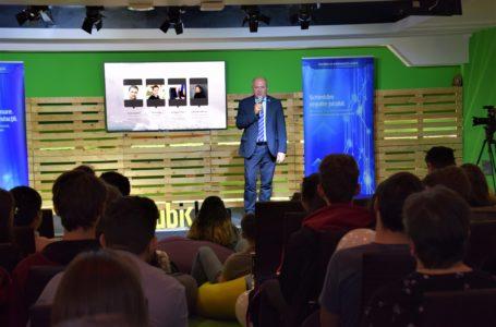 Lansarea programului Generația Tech la Piatra Neamț a reunit cursanți, antreprenori și reprezentanți ai autorităților locale