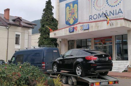 BMW-ul X6 de la CJ Neamț s-a stricat de atâtea drumuri și la PSD! Va fi reparat pe banii nemțenilor!