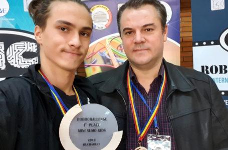 """Nemțeanul Marius-Alexandru Olaru, locul 1 la Competiția Internațională de Robotică """"RoboChallenge"""""""