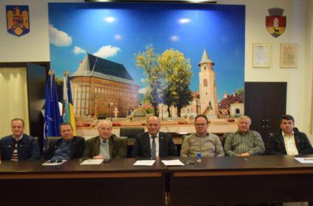 """Cinci primari ai PSD """"au bătut palma"""" cu primarul Dragoș Chitic pentru zona metropolitană"""