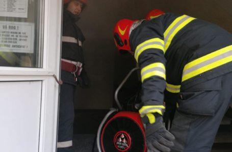 Incendiu într-un apartament al unui bloc din Piatra-Neamț, sâmbătă dimineață