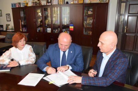 Primarul Dragoș Chitic a semnat 3 proiecte europene de peste 76 milioane lei