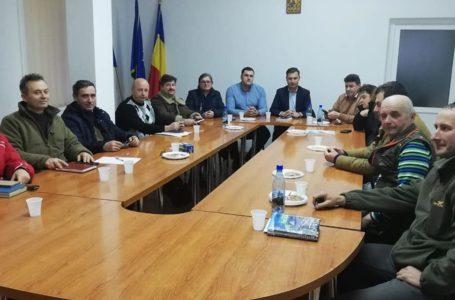 """Prefectul George Lazăr a luat-o """"la talpă"""" prin județul Neamț"""