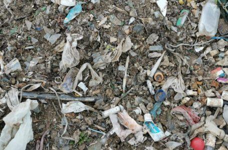 """USR: """"Deșeuri medicale la groapa de gunoi din Piatra-Neamț! Garda de Mediu are nevoie de ochelari!"""" (video)"""