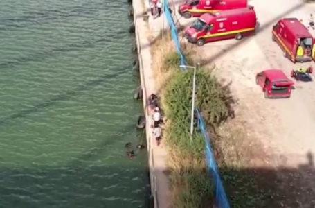Tentativă de sinucidere în desfășurare! Amenință că sare de pe pod!