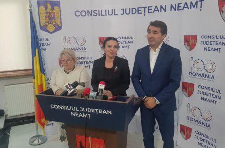 Ce răspundea Sorina Pintea, la Piatra-Neamț, întrebărilor newsallert.ro despre corupția din spitale (video)! Acum e acuzată de o șpagă de 120.000 lei!