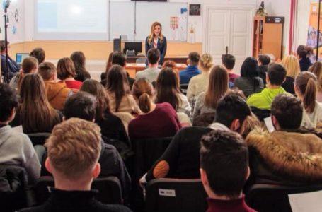 """Sâmbătă, 22 februarie, o nouă conferință """"Viitorul ești TU!"""". Un proiect pentru tineri, unic în România!"""
