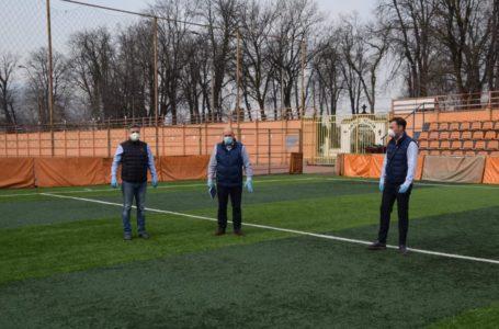 """Mugur Cozmanciuc: """"Pregătim Sala Polivalentă și stadionul din Piatra-Neamț pentru unitățile medicale mobile, dacă va fi nevoie"""""""