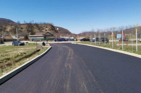 Continuă asfaltările în Piatra-Neamț