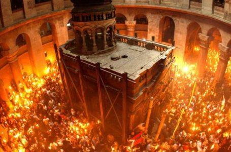Lumina de Înviere vine în Neamț din Ierusalim! Detalii de ultimă oră despre slujbele din Săptămâna Mare și Înviere, din bisericile ortodoxe!