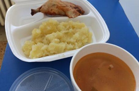 Ce s-a schimbat în hrana pe care o primesc pacienții Spitalului Județean Neamț?! (foto comparativ)