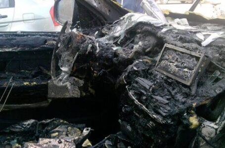 O mașină a luat foc pe drumul european E85, la Săbăoani