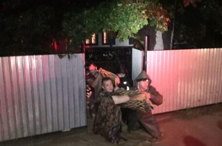 Viiturile au lovit nemilos în județul Neamț, în noaptea de luni spre marți (bilanț provizoriu) – FOTO