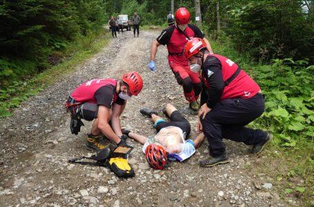 Un biciclist a murit pe Ceahlău! Cobora în viteză, a căzut și și-a zdrobit capul! (foto)