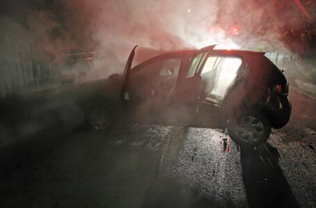 Un tânăr din Ștefan cel Mare a comis un accident cu mașina pe care o furase! Autoturismul a luat foc!
