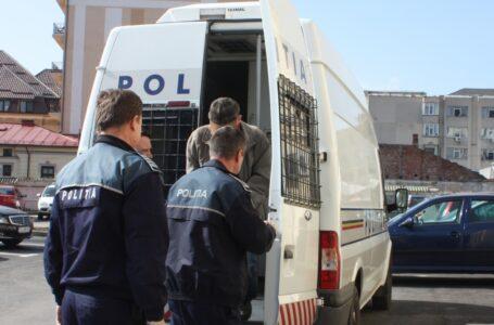 A fost arestat bărbatul din Piatra-Neamț care a șantajat și a dat foc locuinței fostei concubine