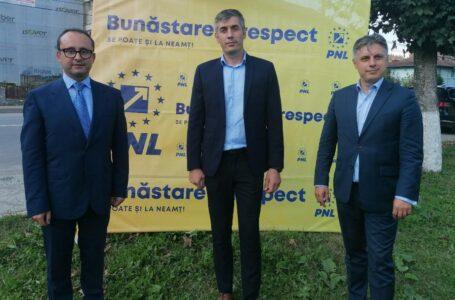 """Cristi Bușoi: Județul, codaș la fonduri europene! Mugur Cozmanciuc: """"Voi face din Neamț un județ reper al sistemului sanitar!"""""""