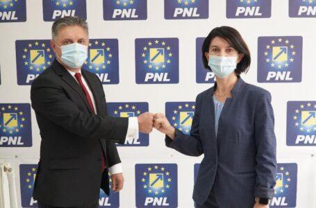"""Mugur Cozmanciuc (PNL): """"Implementăm proiecte europene pentru dezvoltarea pieței muncii. Locuri de muncă bine plătite"""""""