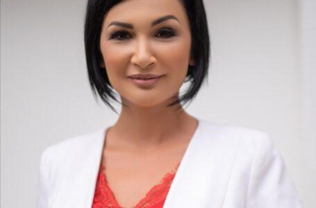 """Florentina Moise (candidat PSD Neamț la Senat): """"Chiar dacă nu ne vom putea strânge mâna, ne vom putea privi în ochi""""."""