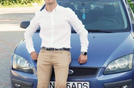 Tânăr de 18 ani – mort în accident rutier la Borlești! Mașina s-a rupt în două!