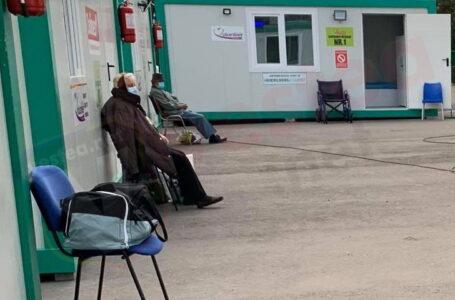 În loc să demită managerul spitalului, Arsene îl premiază cu 4.500 lei lunar! Prefectul le cere public demisia la amândoi!