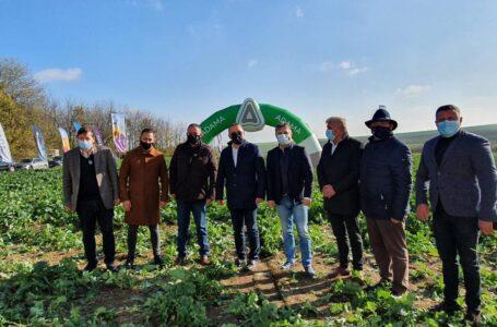 """Ministrul Agriculturii, la Neamţ: """"Miliarde de euro pentru modernizare și pentru promovarea produselor locale"""""""