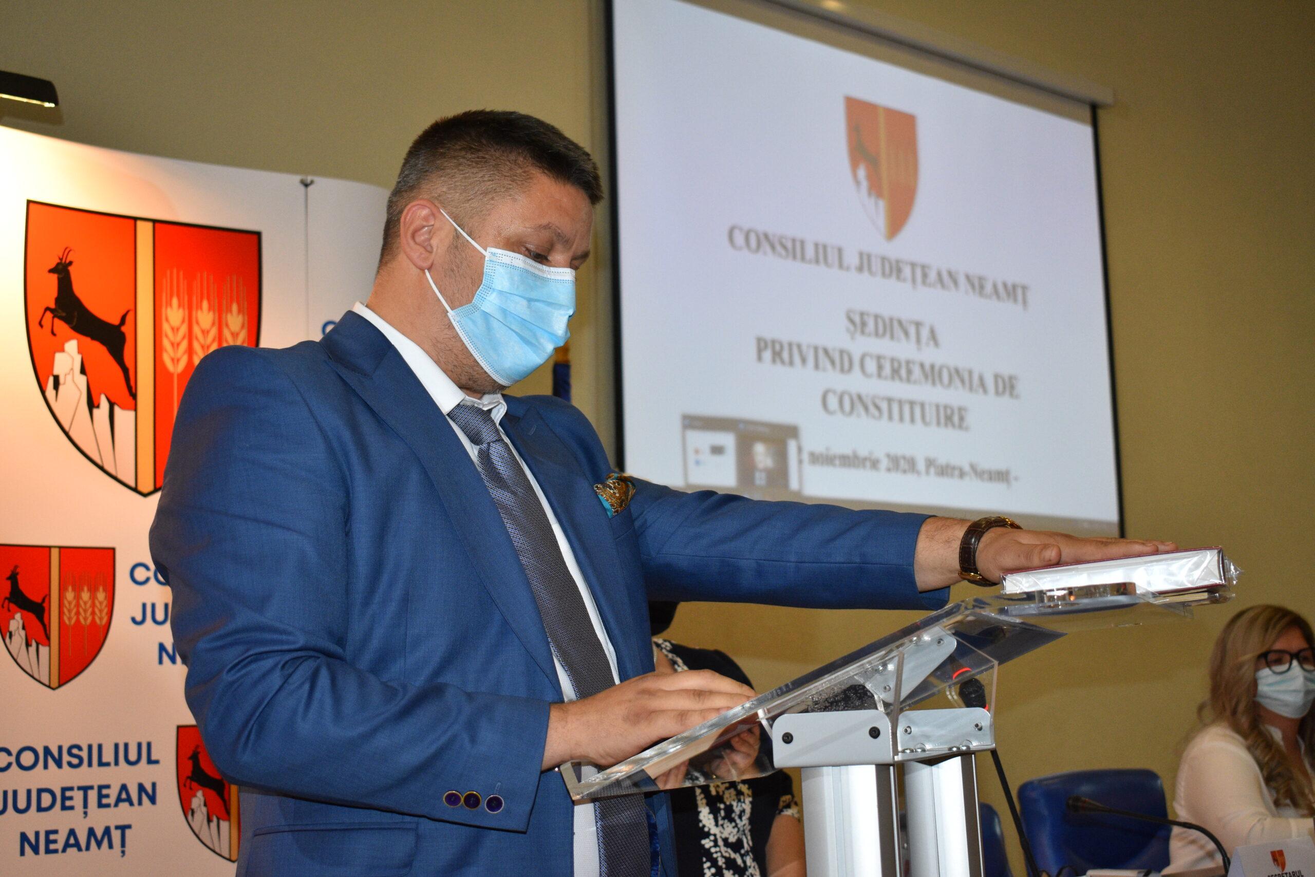 """Consilierul judeţean Bogdan Ardeleanu (PNL): """"Nu vom accepta să fim insultați de președintele CJ Neamț!"""""""
