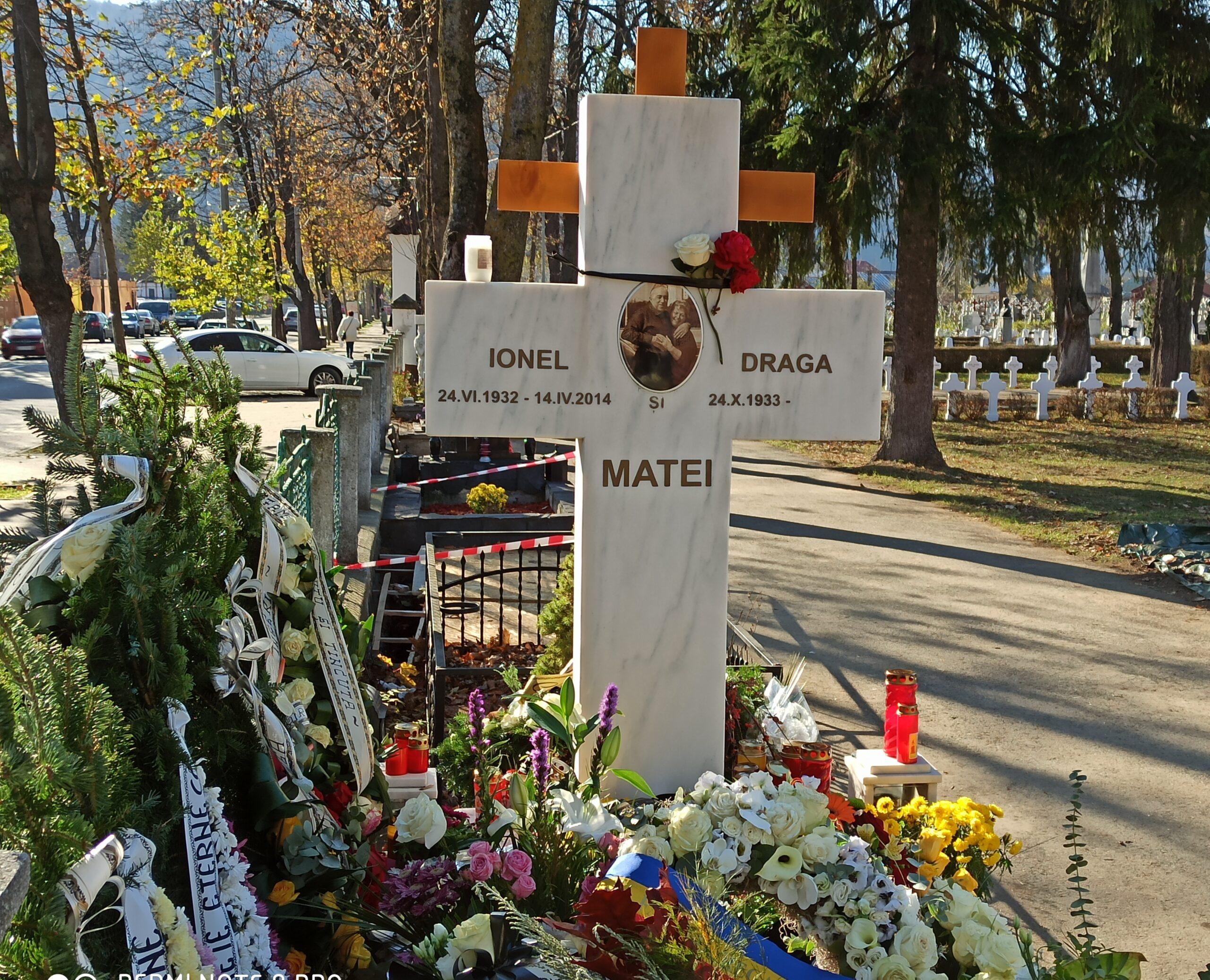 Liniște. Doamna Draga Olteanu Matei se odihnește. (foto-galerie)