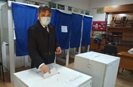 Mugur Cozmanciuc (PNL): Am votat pentru ca judeţul Neamţ, Moldova şi România să continue proiectele de dezvoltare.