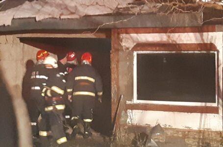 Tragedie la Roznov – o bătrână a ars de vie. Icoanele din cameră au rămas intacte. (foto)