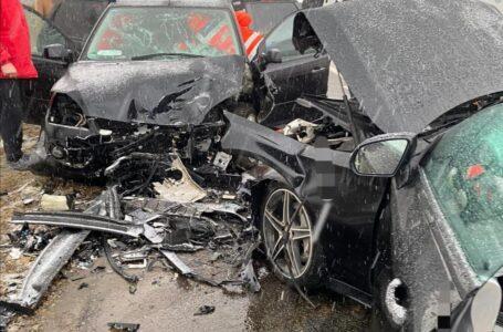 Două accidente produse pe E85, în Neamţ, la interval de câteva minute