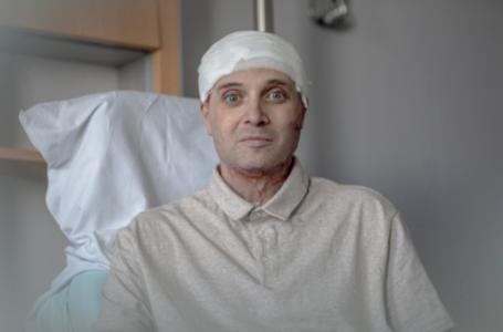 """Primele imagini şi declaraţii ale dr. Cătălin Denciu, eroul de la Spitalul Judeţean: """"Mă mişc, merg din nou…"""""""