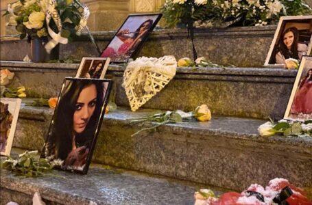 Omagiu adus profesoarei din Piatra-Neamţ care a murit la 36 ani, a doua zi după ce a născut o fetiţă