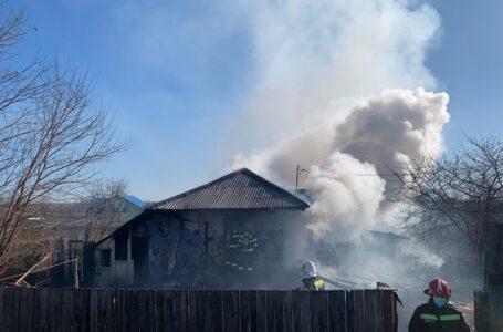 O femeie de 59 ani din Girov a murit într-un incendiu care i-a cuprins casa