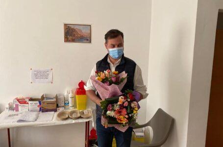 """Prefectul George Lazăr: """"Asistenţii medical – profesionişti care au depăşit bariera profesiei şi au intrat în memoria umanităţii"""""""