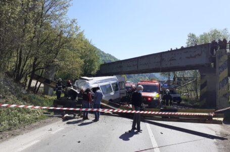 VIDEO/FOTO cu impact emoţional al tragediei de la Tarcău. Cum s-a produs tragedia cu 2 morţi şi 3 răniţi.