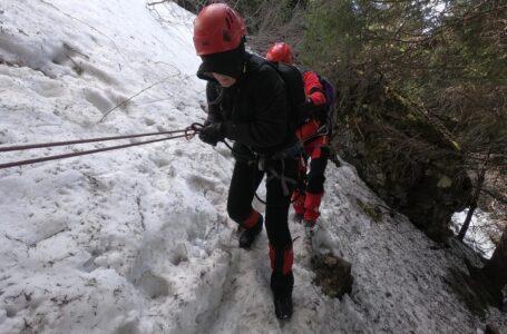Aviz amatorilor! Foto-galerie de la acţiunea de salvare a turiştilor din Ceahlău!