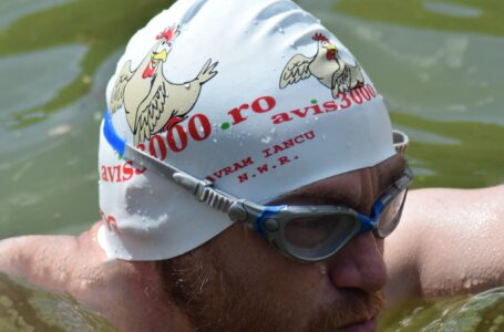 Ignorat complet de autorităţi, Avram Iancu a traversat înot Lacul Izvorul Muntelui