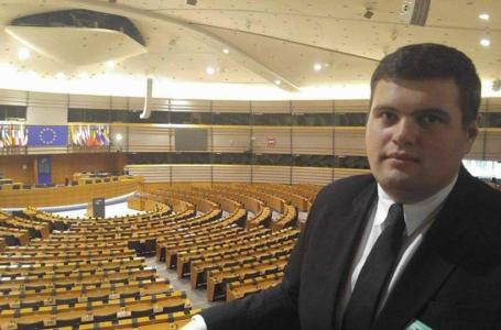 """Victor Caia, TNL Neamț: """"George Lazăr este opțiunea tinerilor liberali pentru președinția PNL Neamț"""""""