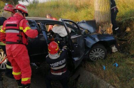 Trei tineri din Neamţ au murit într-un accident la Bacău. O tânără este grav rănită.