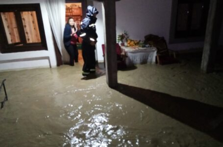 Iată efectele inundaţiilor din judeţul Neamţ! Dezastru în zeci de localităţi.