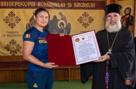 Atleta Bianca Ghelber Perie, premiată de IPS Ioachim – arhiepiscopul Romanului şi Bacăului