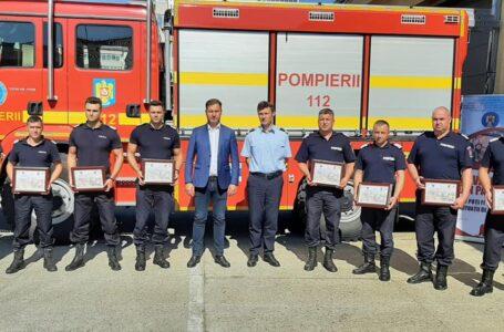 """Pompierii întorşi din Grecia, felicitaţi de prefectul George Lazăr. """"Cinste dumneavoastră, bravi pompieri nemţeni!"""""""