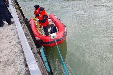 Trupul femeii care s-ar fi aruncat în Bistriţa de pe podul de la Căprioara a fost găsit de pompieri